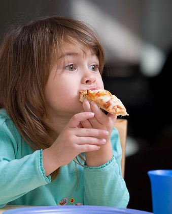 Mo 27 girl eating pizza